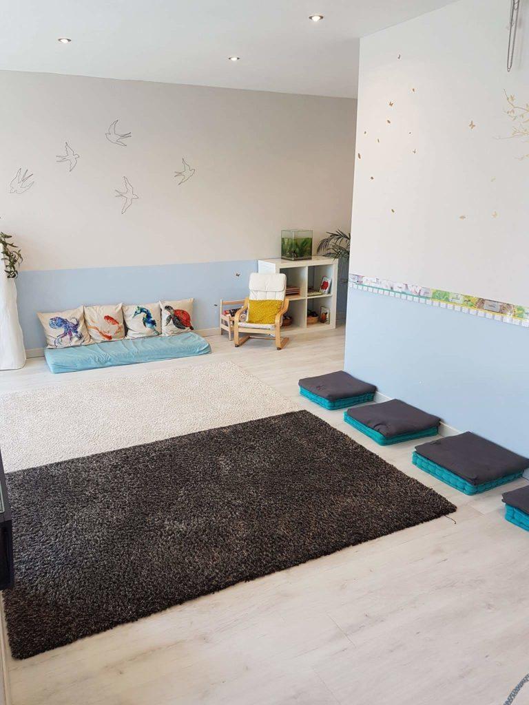 un lieu bienveillant pour pratiquer un yoga parent enfant et maman bébé